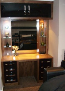 Black Walnut and Black High Gloss dressing table