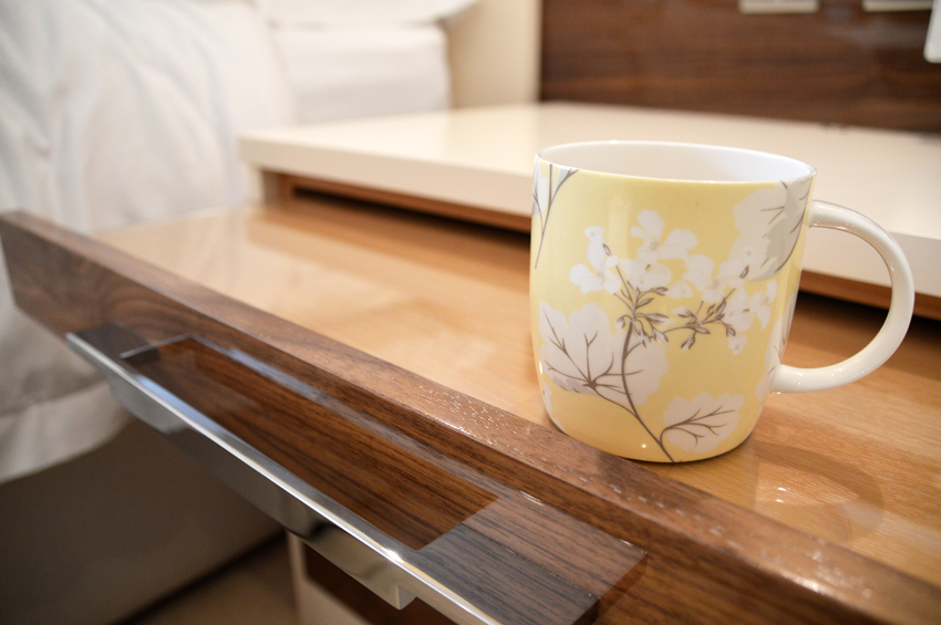 Pull out tea tray is the perfect place to enjoy a cup of tea in the morning