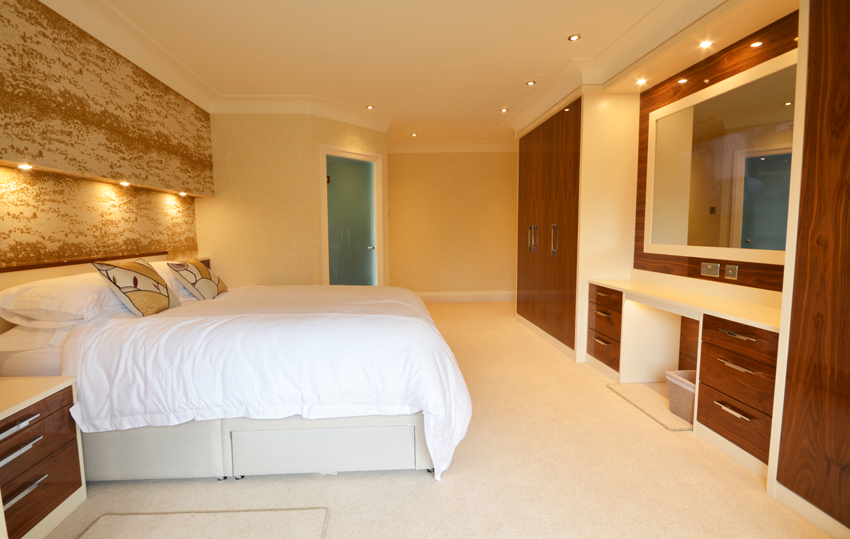 Cream and walnut high gloss bedroom