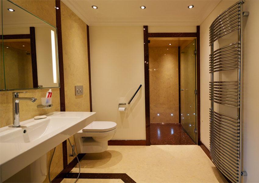 easy-access-bathroom